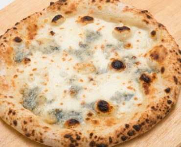 【イタリア産4種チーズ クワトロフォルマッジ】<br /> 1,580円(税抜)